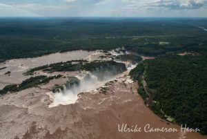 Cataratas del Iguazú waterfall